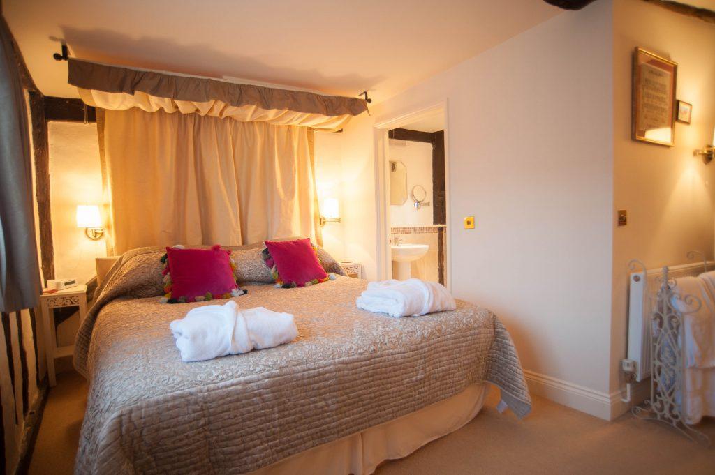 staddles holiday cottage suffolk bedroom